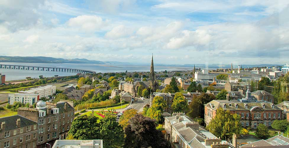 The University of Dundee accepts our Pre-Master's in Business & Management